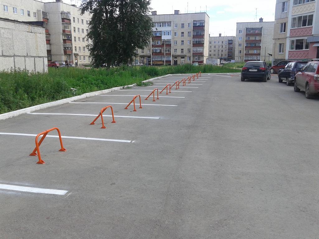 Парковка с нанесенной дорожной разметкой